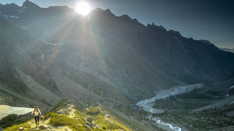Montée sur la moraine du Glacier Noir à Vallouise