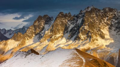 Premières neiges d'automne sur les Aiguilles de Chamonix